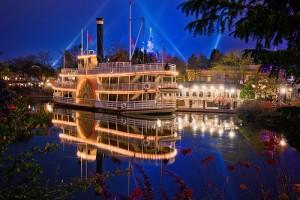 Bateau dans le parc Disneyland